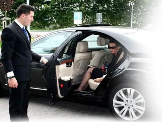 Serving with Smile - Chauffeur Car Melbourne