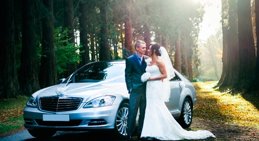 Finest luxury chauffeur wedding car in Melbourne to celebrate memorable day